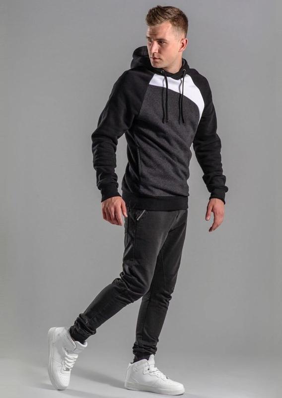 Stylizacja nr 54 - bluza z kapturem, spodnie joggery
