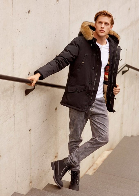 Stylizacja nr 65 - kurtka, longsleeve, spodnie joggery, buty