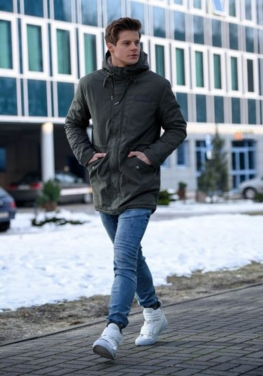 Stylizacja nr 152 - kurtka zimowa, spodnie jeansowe joggery, buty sneakersy